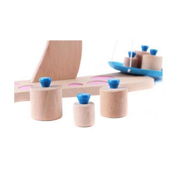 Dětská dřevěná váha s kovovými miskami GOKI